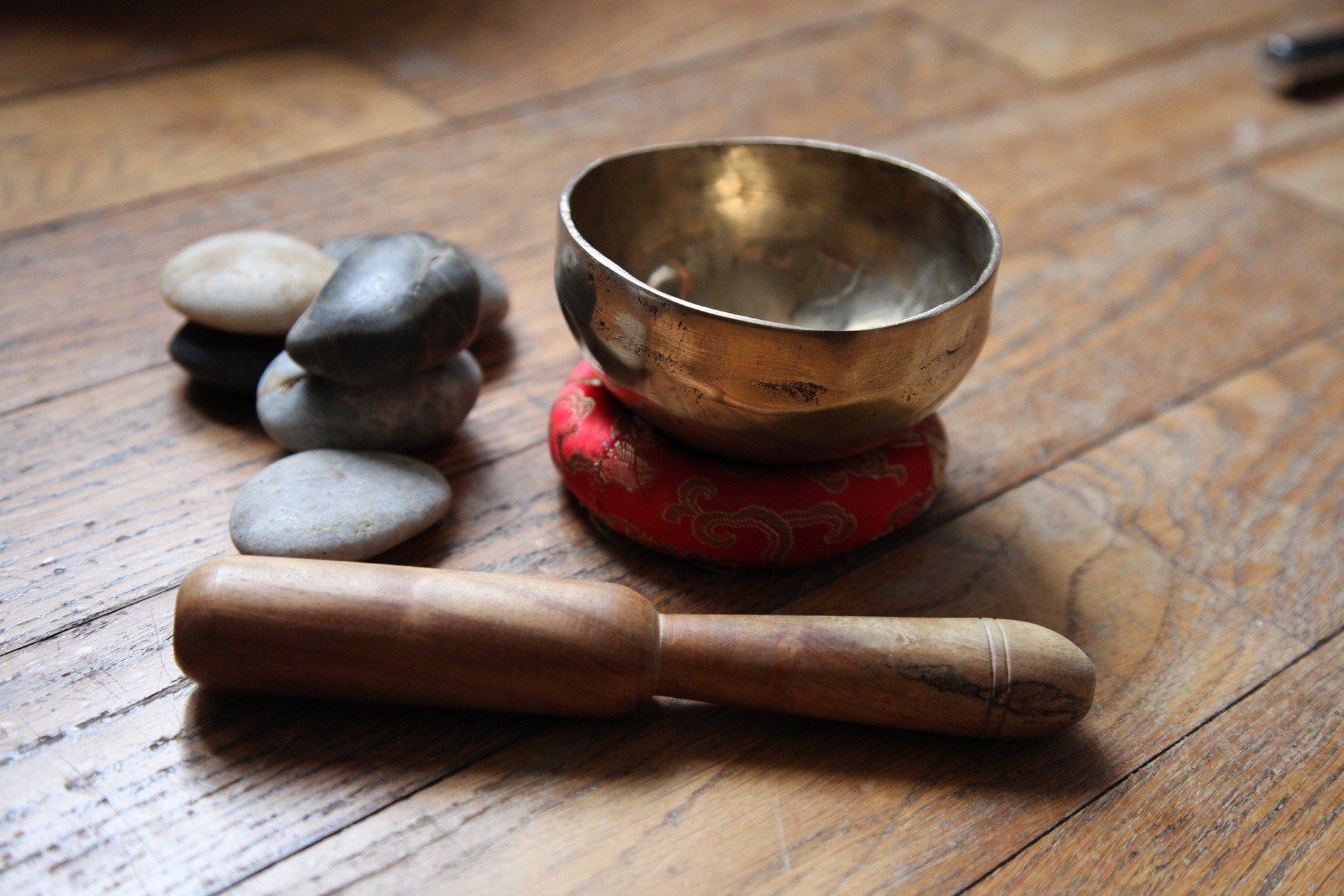 cuenco y utensilios del Tíbet